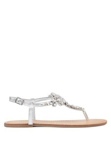 Nine West Taşlı Parmak Arası Sandalet Gümüş